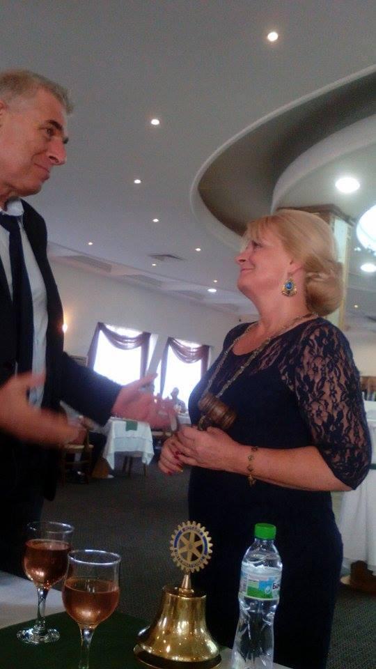 Президентът на Ротари Пловдив-Пълдин Марияна Касарска и председателят на ОбС - Пловдив Илко Николов