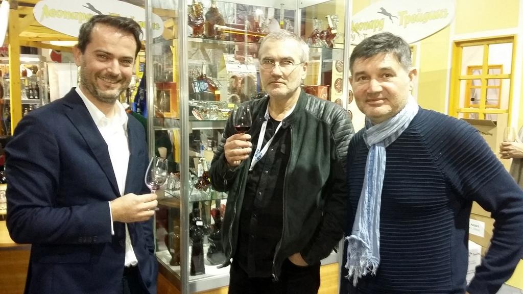 """Дюзев, Бакалов и Райчев дегустират виното """"Приятели мои"""""""