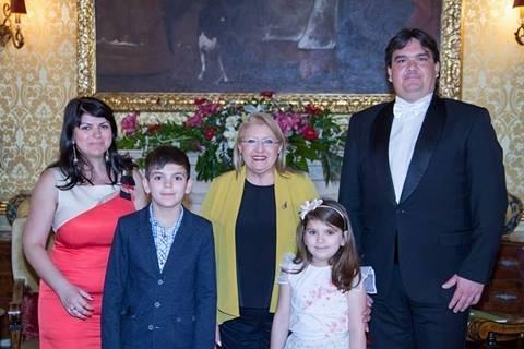 Ивайло Михайлов и семейството му на официално посещение при президента на Малта. Снимка - официален сайт на Презитентството на Малта